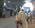Ấn Độ: Vác thi thể con đi bộ hơn 10km từ bệnh viện về nhà