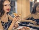 Ăn trước gương giúp bữa ăn ngon hơn