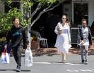 Angelina Jolie đi mua sắm cùng Pax Thiên