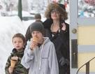 Angelina Jolie và các con dạo phố vào dịp nghỉ lễ