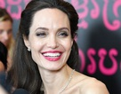 Pax Thien tháp tùng mẹ nuôi Angelina Jolie đi dự sự kiện