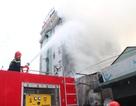 Cháy kho hàng cạnh quán karaoke, khách hát hoảng loạn tháo chạy
