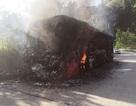 Xe khách cháy rụi trên đèo Lò Xo