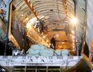 Toàn cảnh máy bay Nga và 40 tấn hàng cứu trợ vượt gần 8.000 km