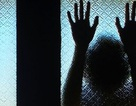 Khởi tố đối tượng giao cấu với bé gái 15 tuổi đến ngất xỉu