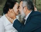 Xúc động bộ ảnh cưới của cặp vợ chồng già bên nhau đã gần 50 năm