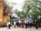 Quan chức APEC thăm tháp cổ nghìn tuổi ở Nha Trang