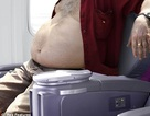 Hãng hàng không cân... hành khách trước khi bay