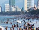 """PGS-TS Trần Đình Thiên: """"Du lịch tắm biển chưa làm cho miền Trung giàu"""""""
