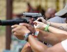 Phản ứng của não và cơ thể khi bắn súng