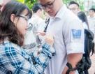 Lưu luyến phút chia tay của học sinh THPT Yên Hòa