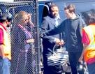 Vợ chồng Beyonce Knowles lần đầu đưa cặp sinh đôi dạo phố