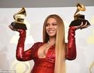 Beyonce diện váy bó sát khoe bụng bầu