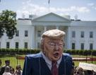 Biểu tình phản đối Tổng thống Trump bên ngoài Nhà Trắng