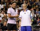 Xem màn biểu diễn trị giá 2 triệu USD của Bill Gates trên sân quần vợt với Roger Federer