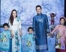 Vợ con MC Phan Anh làm Vedette khi trình diễn thời trang trên sàn catwalk