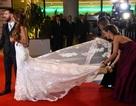 Cận cảnh váy cưới đẹp như mơ của vợ Messi