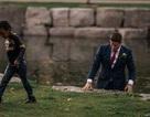 Chú rể lao xuống sông cứu người khi đang chụp ảnh cưới