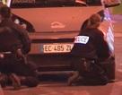 Quay được cảnh đấu súng giữa cảnh sát với nghi phạm khủng bố Paris