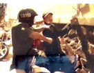 """Cảnh sát 113 khống chế giang hồ """"thủ"""" 2 khẩu súng đi dạo phố"""