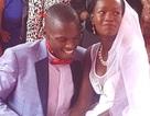 Cái kết đẹp cho cặp đôi kết hôn chỉ với nhẫn cưới trị giá... 1 USD