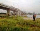 Bốn con bạc nhảy xuống sông khi thấy công an, 2 người chết và mất tích