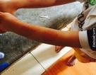 Cách chức Hiệu trưởng dốc trẻ mầm non vào máy vặt lông gà