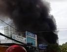 Thợ hàn bất cẩn khiến 3 cửa hàng bị cháy rụi