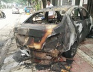 Taxi cháy dữ dội lúc mờ sáng, nghi do tự đốt