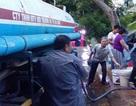 Hàng trăm hộ dân Đà Nẵng khốn khổ chờ hứng từng xô nước sạch