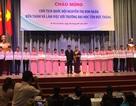 Chủ tịch Quốc hội Nguyễn Thị Kim Ngân trao học bổng đến tân sinh viên