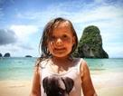 Cô bé 3 tuổi chu du khắp 3 châu lục trong vòng 10 tháng