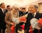 Người Nhật háo hức tiếp kiến Nhật hoàng tại Hà Nội