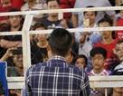 Công Vinh xin lỗi cổ động viên: Cầu thị hay diễn trò?