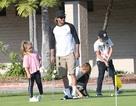 David Beckham đưa con đi chơi golf