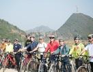 Đại sứ Mỹ Ted Osius đạp xe khám phá Hà Giang