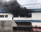 Kịp thời giải cứu hàng trăm công nhân thoát đám cháy công ty nhựa