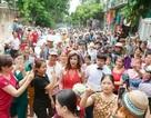 Đám cưới thu hút hàng trăm người hiếu kỳ của cô dâu chuyển giới ở Thanh Hóa
