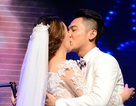 Mai Quốc Việt hôn vợ ngọt ngào trong hôn lễ