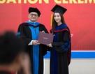 Hoa hậu Đặng Thu Thảo xúc động khi nhận bằng tốt nghiệp đại học quốc tế
