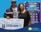 Trúng số giải lớn nhất, cặp vợ chồng đem hết đi làm từ thiện