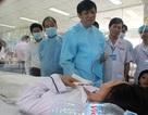 Bệnh nhẹ không được nhập viện, người nhà dọa tính sổ bệnh viện
