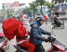"""Dịch vụ """"Ông già Noel tặng quà"""" hút khách trong mùa Noel"""