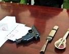 Bắt đối tượng buôn ma túy, ém súng K54 trong người