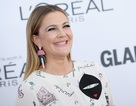 Drew Barrymore tái xuất trẻ trung
