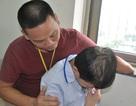 Bố cụt tay chăm con ung thư máu trong nỗi đau đớn khôn nguôi