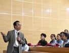 Hiệu trưởng ĐH Bách khoa HN giảng bài cho hàng trăm sĩ tử