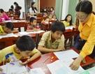 Cảm động lớp học tình thương dành cho người lớn và trẻ em chưa biết chữ