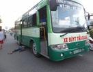 Phụ xe buýt bị xe buýt cán tử vong