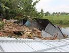 Thêm 6 căn nhà ở An Giang bị sụp xuống kênh